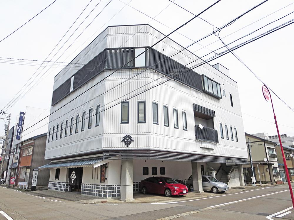 ヴィラ中島202号室(3階建-2階)