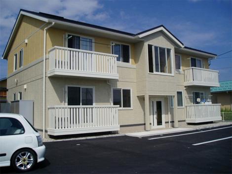 ラヴィアンローズA棟102号室(2階建-1階)